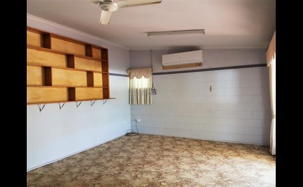 2/567 Ross River Road KIRWAN Lounge Room