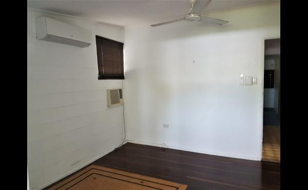 2/567 Ross River Road KIRWAN Bedroom 3 (3-1)