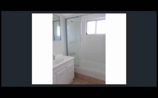 19 Valencia Street KIRWAN Bathroom