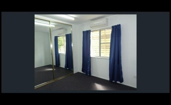 19 Valencia Street KIRWAN Bedroom 1